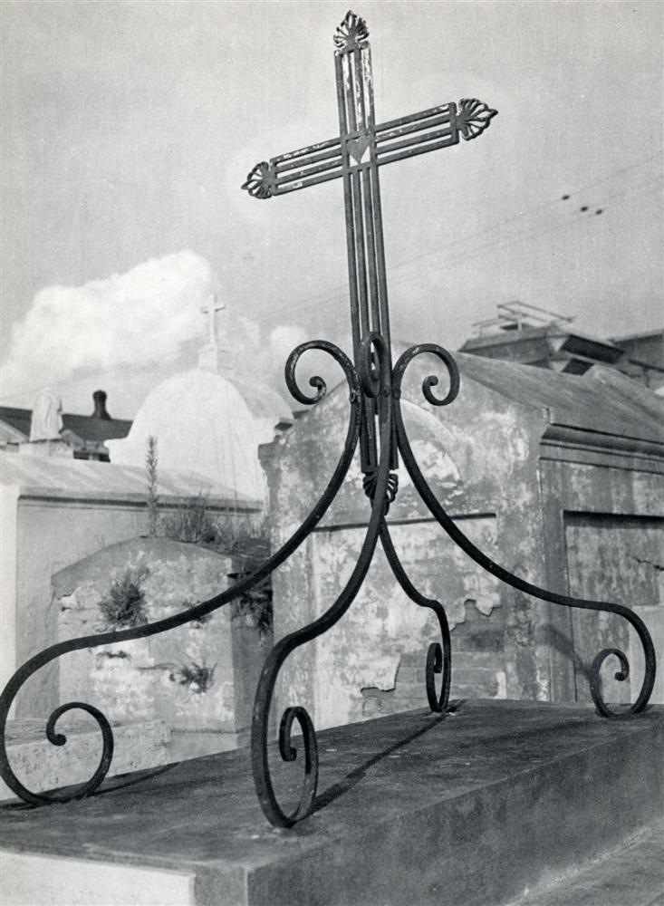 1020: CLARENCE JOHN LAUGHLIN - Original vintage photogr