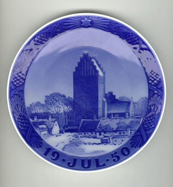 7: Royal Copenhagen Porcelain Christmas 1950