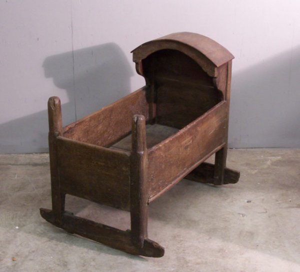 16: Early English oak Childs cradle c 1780