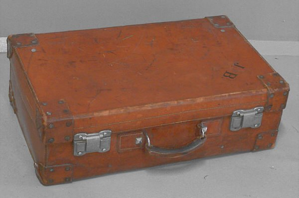 17: Vintage leather valise