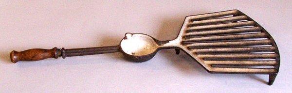 19: cast iron enameled basting grill c1800