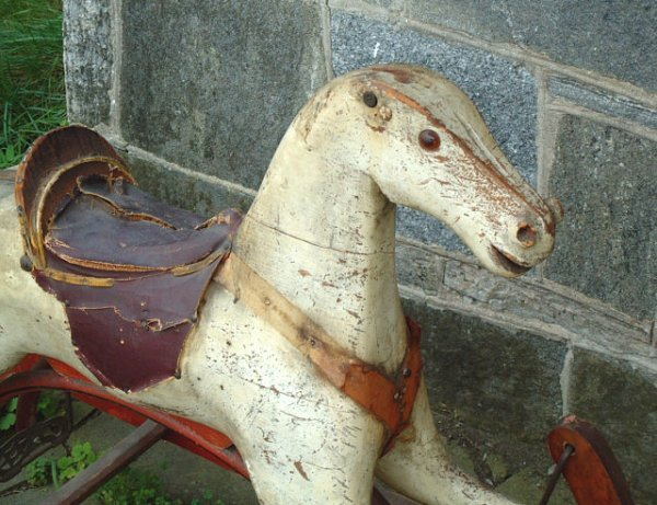 78: Antique wooden hobby horse with painted base - 3