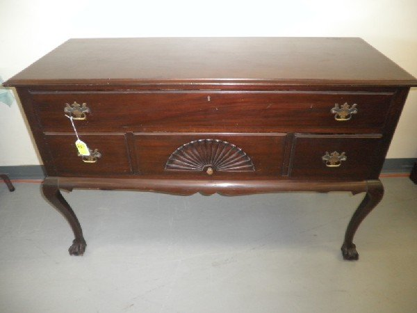 23: Mayflower Colonial Shops Mahogany Lowboy