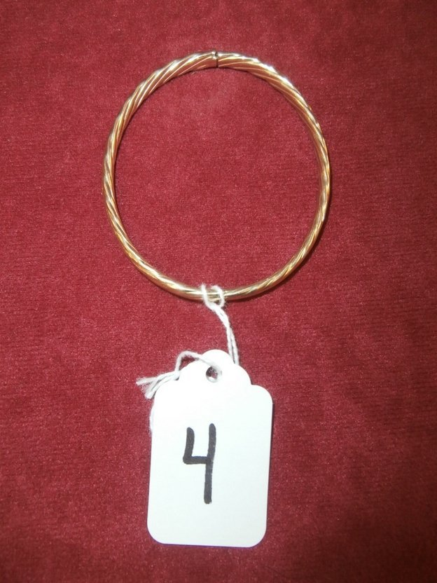 14Kt Yellow Gold Bangle Twist Bracelet