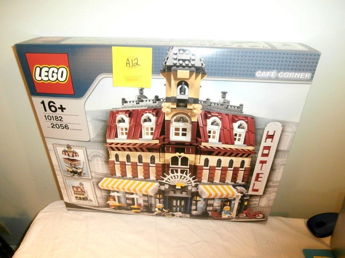 Lego Café Corner
