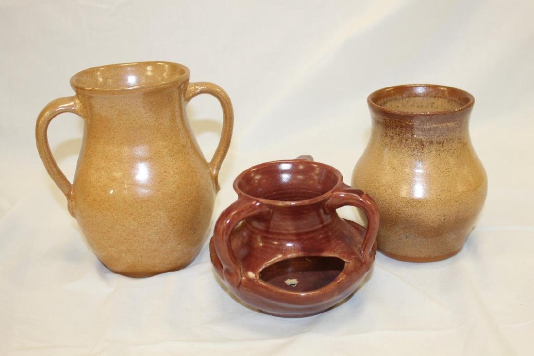 """Waco, KY style pottery:  6 1/4"""" 2-handle vase with"""