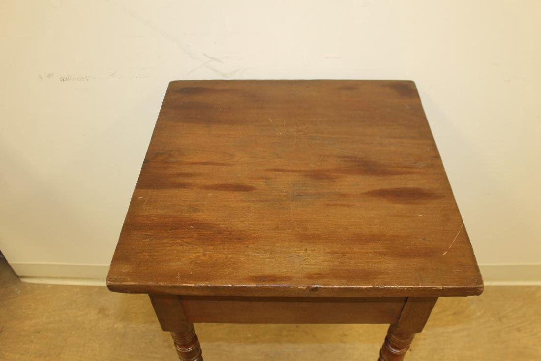 Walnut stand table with finely turned legs and a solid - 2