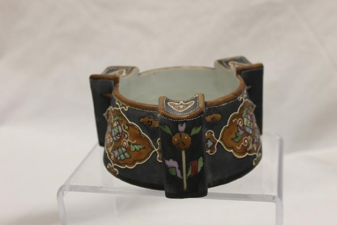 """Nippon Green M in wreath 2 1/2"""" cigar ashtray with line - 2"""