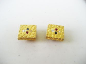 5: Pair of yellow gold square cuff links set with four
