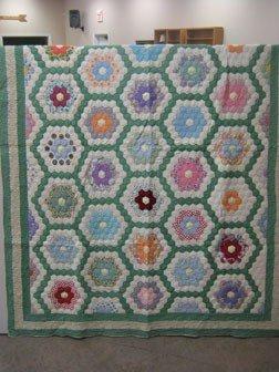 """13: Quilt:  Dresden Plate quilt.  72"""" X 97"""""""