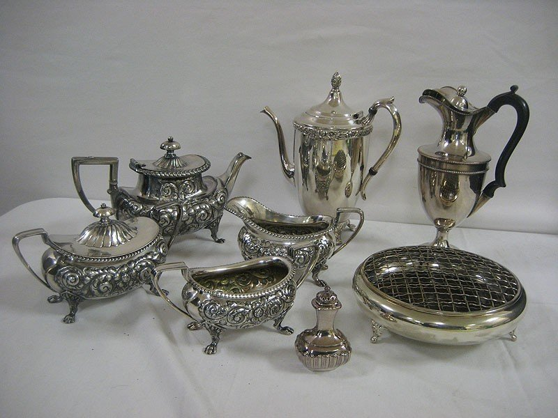 "456: Silver plate grouping:  Made in England 10 1/2"" pi"