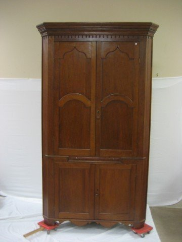 16: Cherry Laurel Co., Kentucky corner cupboard with sc