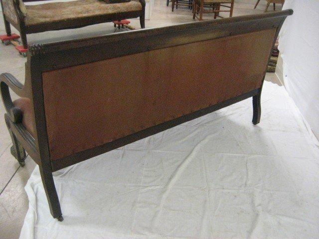 580: Early Sheraton sofa with bullseye molding and orna - 7