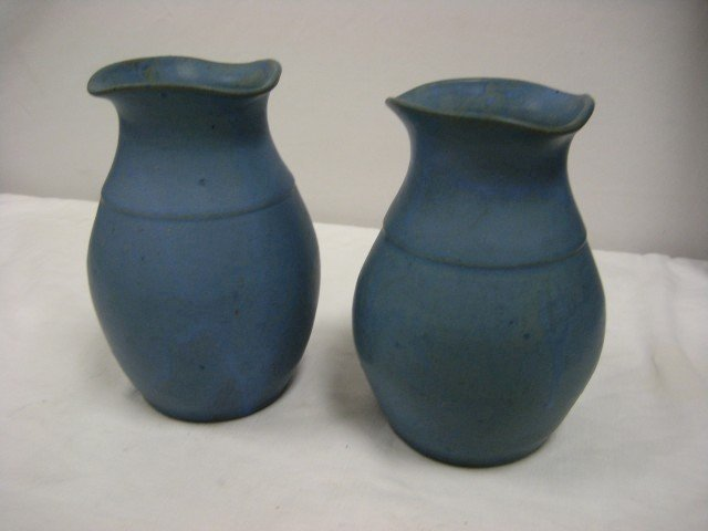 """4: Pair of 7"""" Hand Made Waco KY vases with unusual roun"""