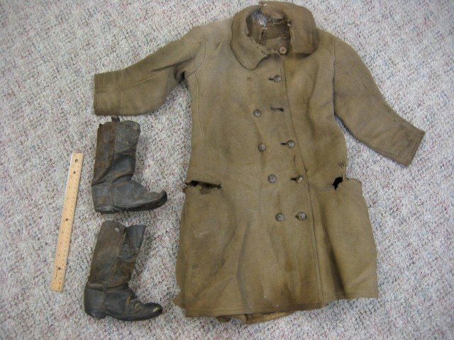 147A: Confederate Drummer boy frock coat and boots.  Bo