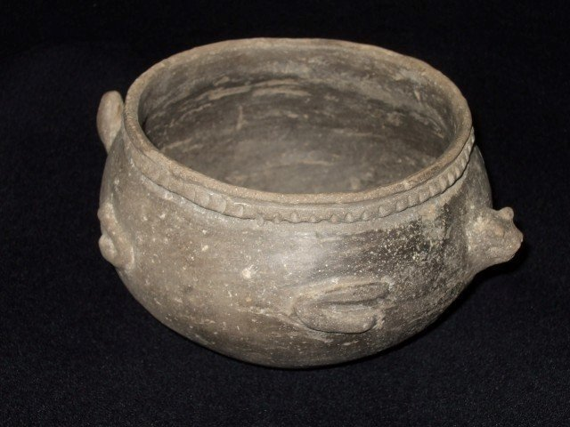 """Very fine and rare 6 1/8"""" X 3 1/8"""" effigy pot.  Solid c"""