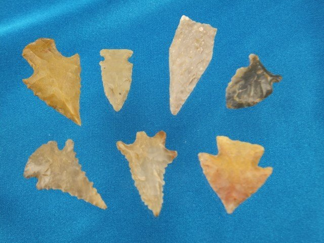 Group of 7 nice and colorful KY points, largest is 1 5/