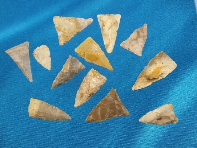 """Group of 12 assored triangles, KY, largest is 1 3/8"""""""