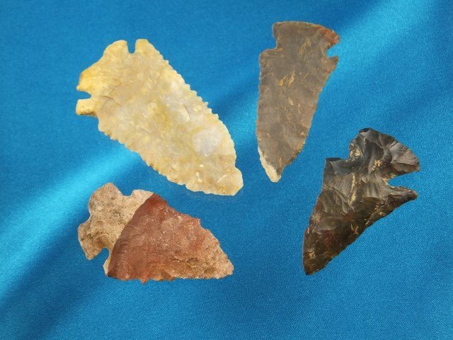 Group of 4 colorful Archaic KY points, largest is 2 5/8