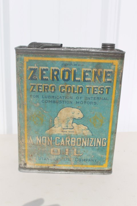 Zerolene 1-gallon oil can, Standard Oil Company, with