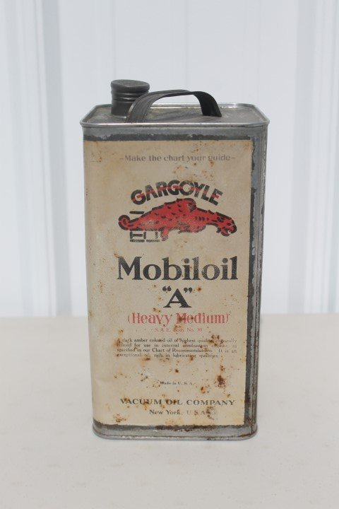 "Gargoyle Mobiloil ""A"" Heavy Medium 1-gallon can, 9 3/4"""
