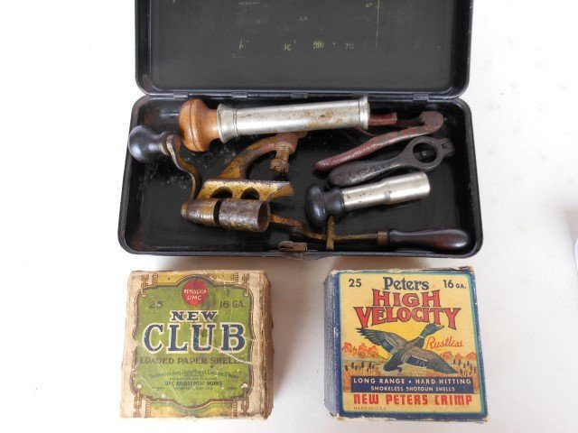 Shotgun shell reloading equipment, with Peters High