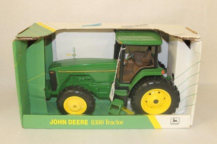 Ertl 1:16 scale John Deere 8300, 1994, No. 5786, 2545