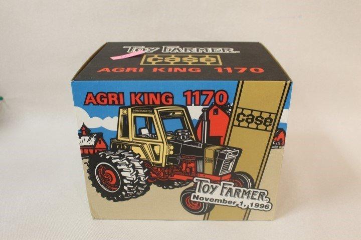 Ertl 1:16 scale 1996 National Farm Toy Show Case Agri