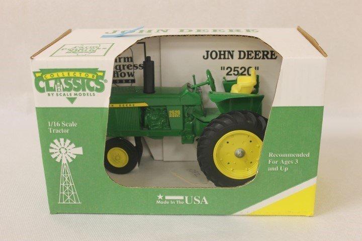 Collector Classics 1:16 scale John Deere 2520, Farm