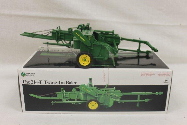 Ertl 1:16 scale Precision Classics #11 John Deere 214-T - 2