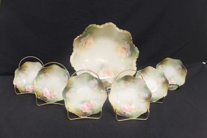 """Red Mark RS Prussia rose decorated berry set with 10"""""""