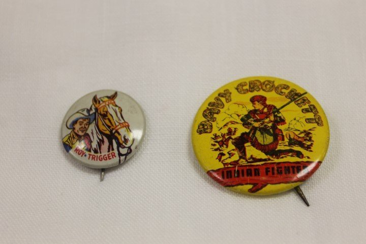 1953 Post Grape-Nut Flakes pin back with roy Rogers and