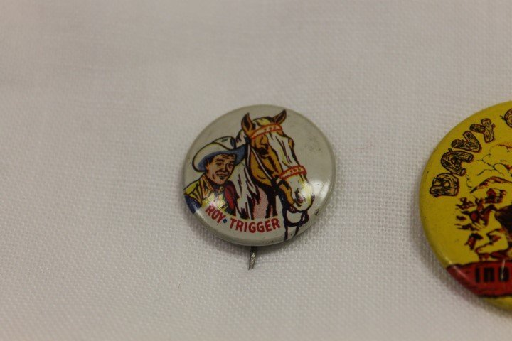 1953 Post Grape-Nut Flakes pin back with roy Rogers and - 2