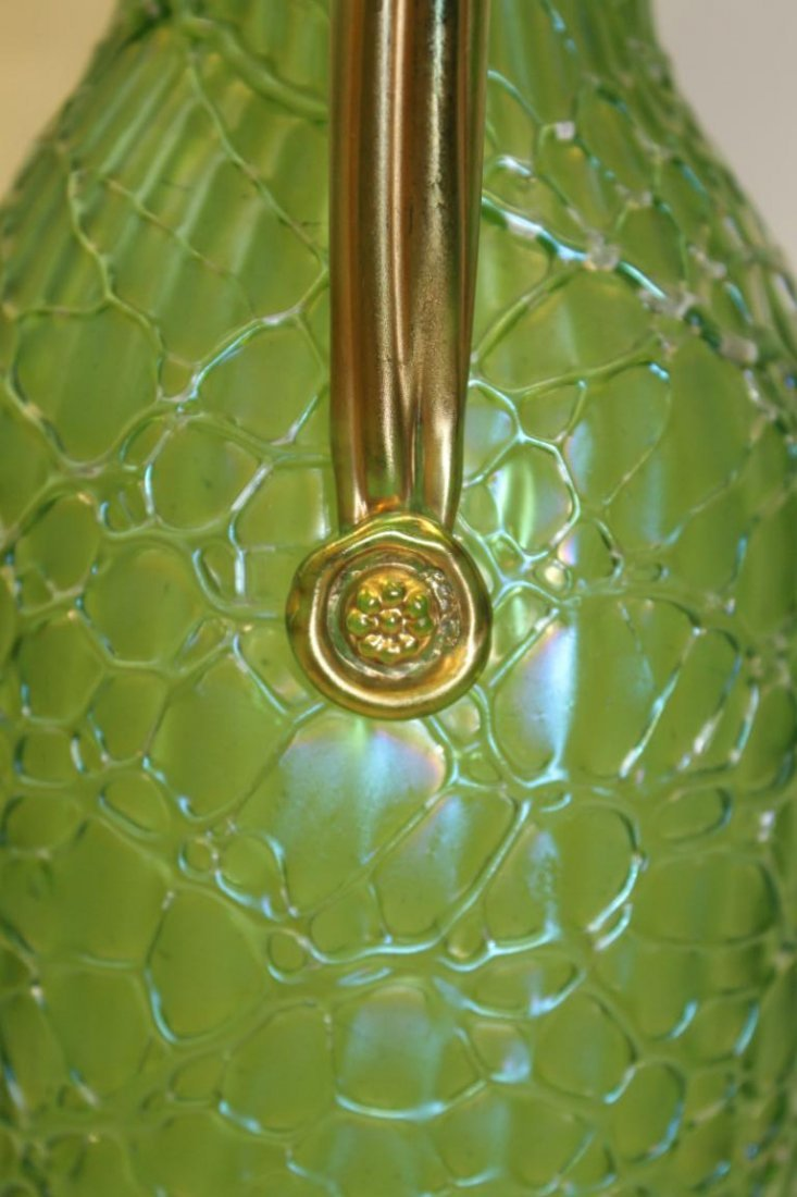 Fine Loetz pitcher with applied gold handle and fishnet - 3