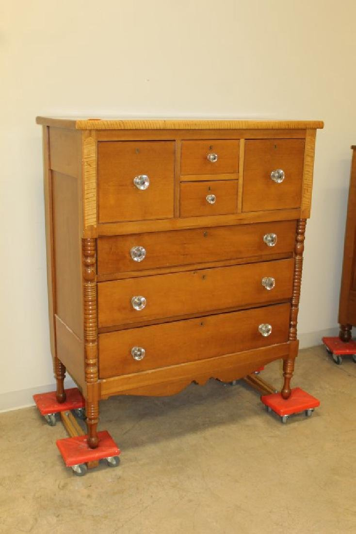 Fine maple 7-drawer Bonnet chest with turned half