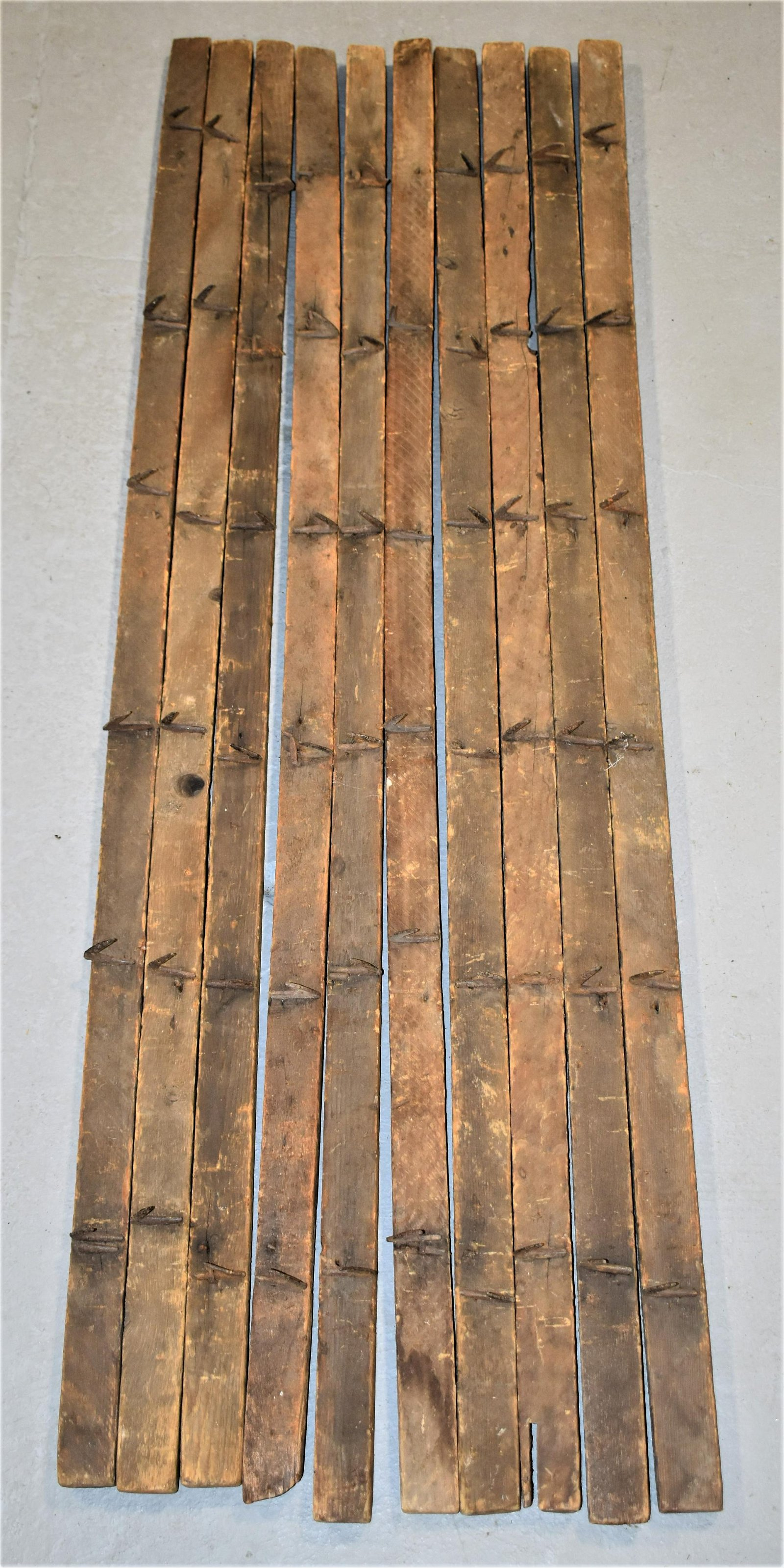 10 Wooden Drying Racks with Iron Hooks