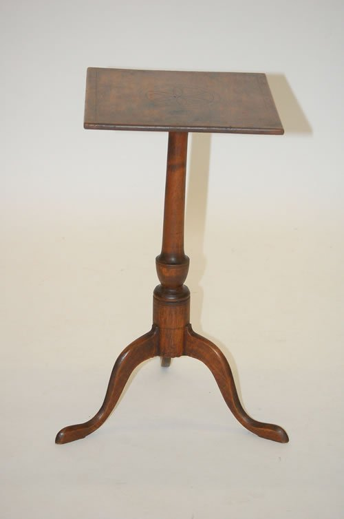 23: NEW ENGLAND QUEEN ANNE CANDLESTAND