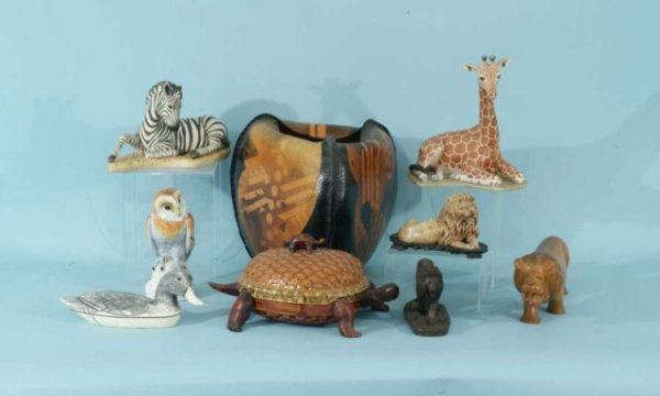 3: LOT OF NINE ANIMAL ART FIGURES AND BOXES