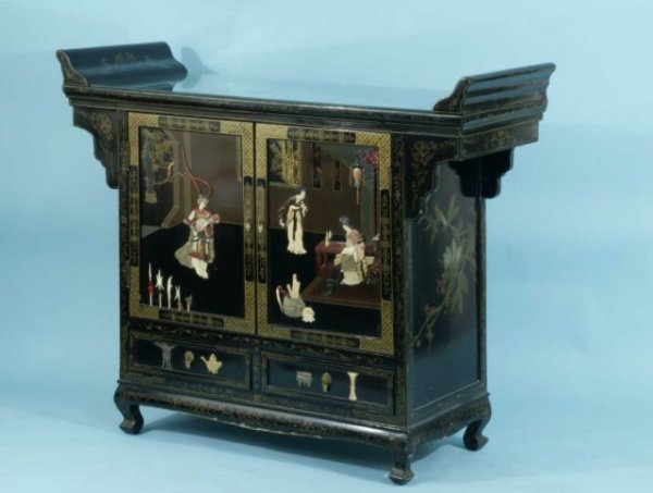 19: EBONIZED CHINOISERIE CABINET WITH HARSTONE ACCENTS