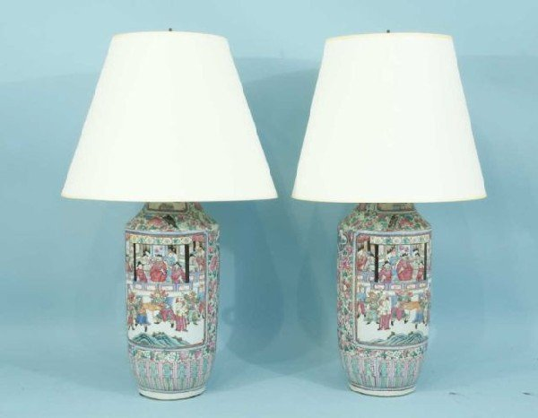 20: PAIR OF 19th CENTURY CHINESE ROSE FAMILLE VASES