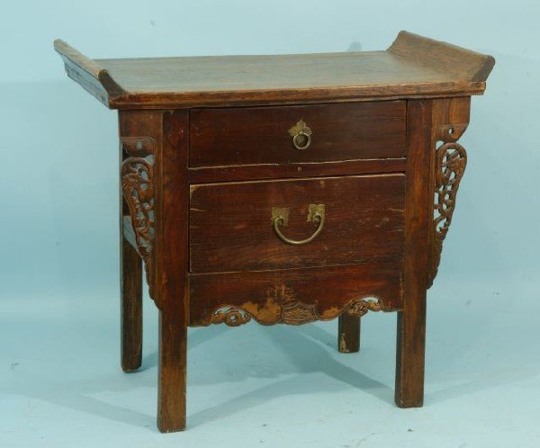 10: ORIENTAL LACQUERED ALTAR TABLE