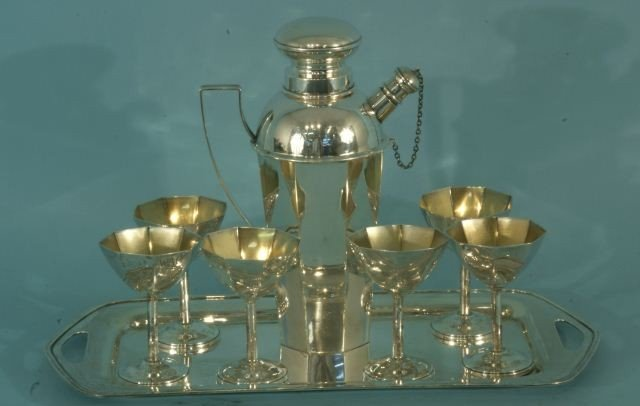 14: STERLING SILVER MARTINI SET WITH SIX GLASSES