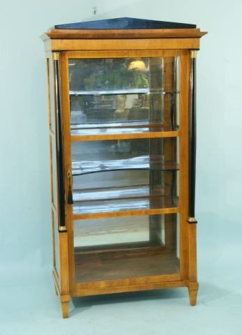 59: VITRINE. BIEDERMEIER. CHERRY WOOD C. 1825