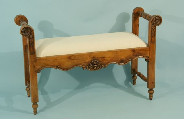 16: LOUIS XV STYLE FOOTSTOOL WITH WHITE CUSHION