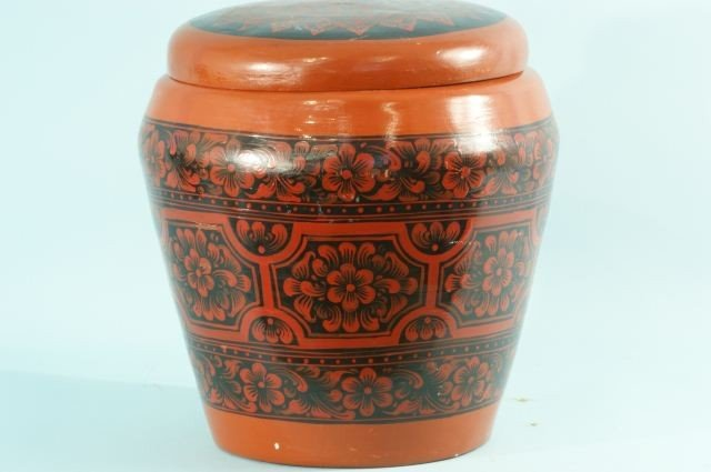 6: ORIENTAL STYLE LACQUERED LIDDED CONTAINER