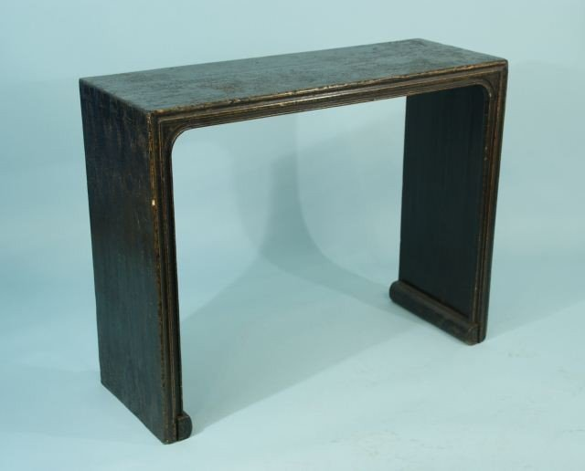 87: CHINESE STYLE BLACK LACQUER RIBBON TABLE