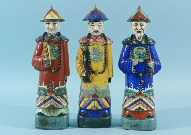 6: THREE ANTIQUE CHINESE PORCELAIN COURTIER STATUES