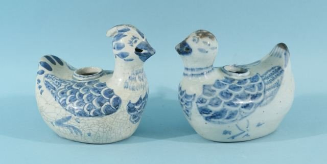 9: ANTIQUE CHINESE BLUE & WHITE PORCELAIN DUCK CANDLE