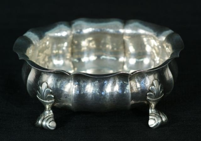 14: STERLING SILVER FOOTED SERVING BOWL