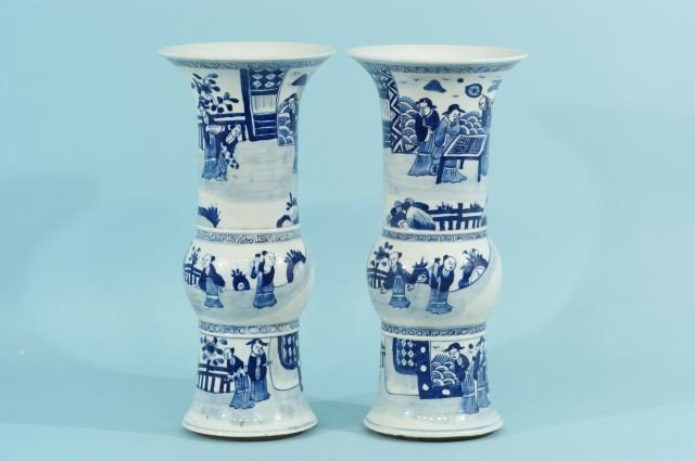 19: PAIR OF CHINESE BLUE AND WHITE REPRODUCTION BEAKER